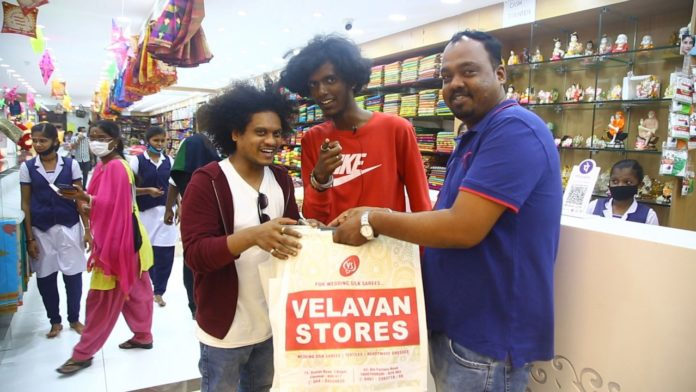 Pugaz and Bala Shopping in Velavan Stores