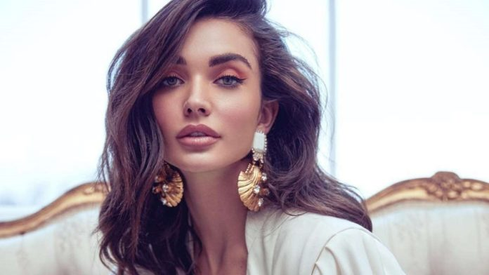 Amy Jackson Photos With Son