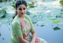 Actress Losliya Photos