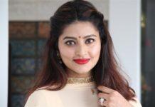 Actress Sneha Without Makeup Photos